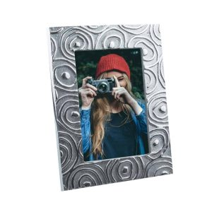Si-Como-No-hand-crafted-Mexican-pewter-spiral-rectangular-frame