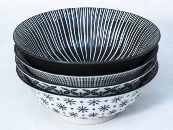 patterned-porcelain-medium-bowl- set-of-4-16cm-black