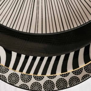 patterned-porcelain-side/cake-plate- set-of-4-black