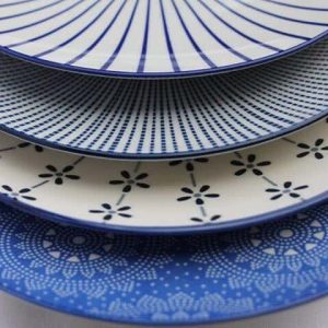 patterned-porcelain-side/cake-plate- set-of-4-blue