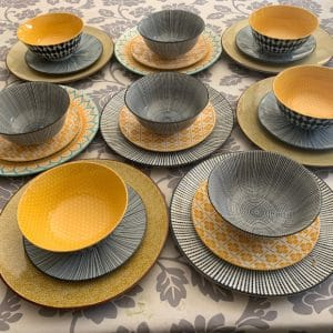 Dinner-Set-Black-And-Yellow