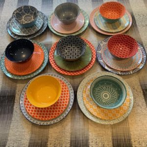 Dynamic Dinnerware and Dinner Sets